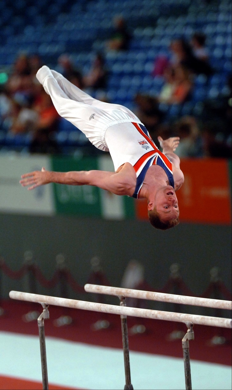 David Eaton competing on Parallel Bars at Europeans 2007