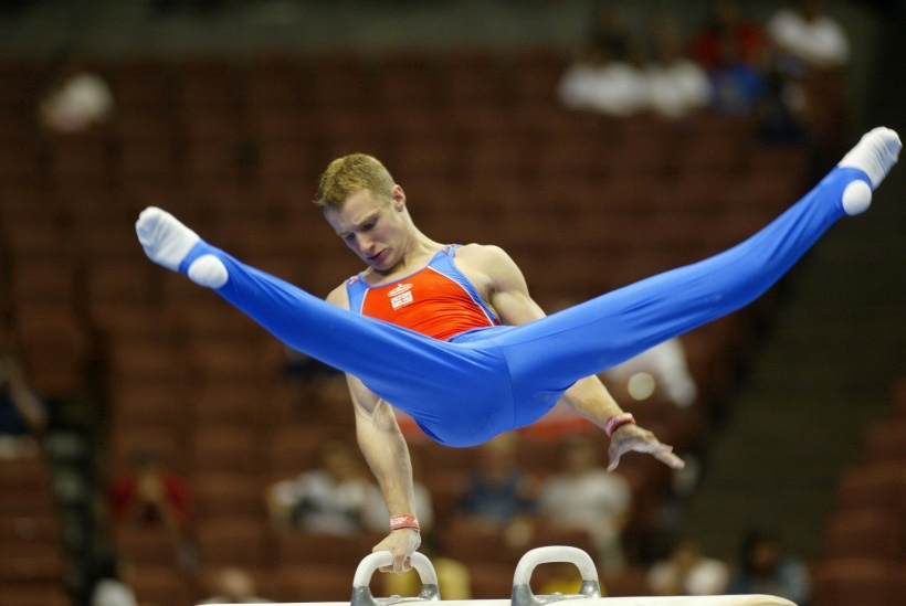 David Eaton competing on Pommel Horse at the World Championships in 2003