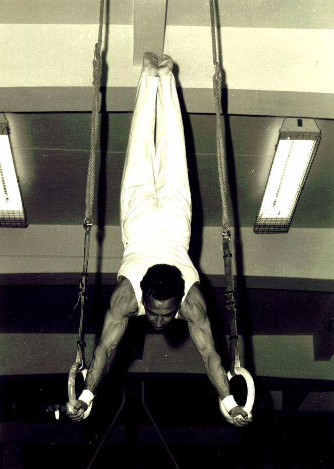 Frank Turner gymnast on rings