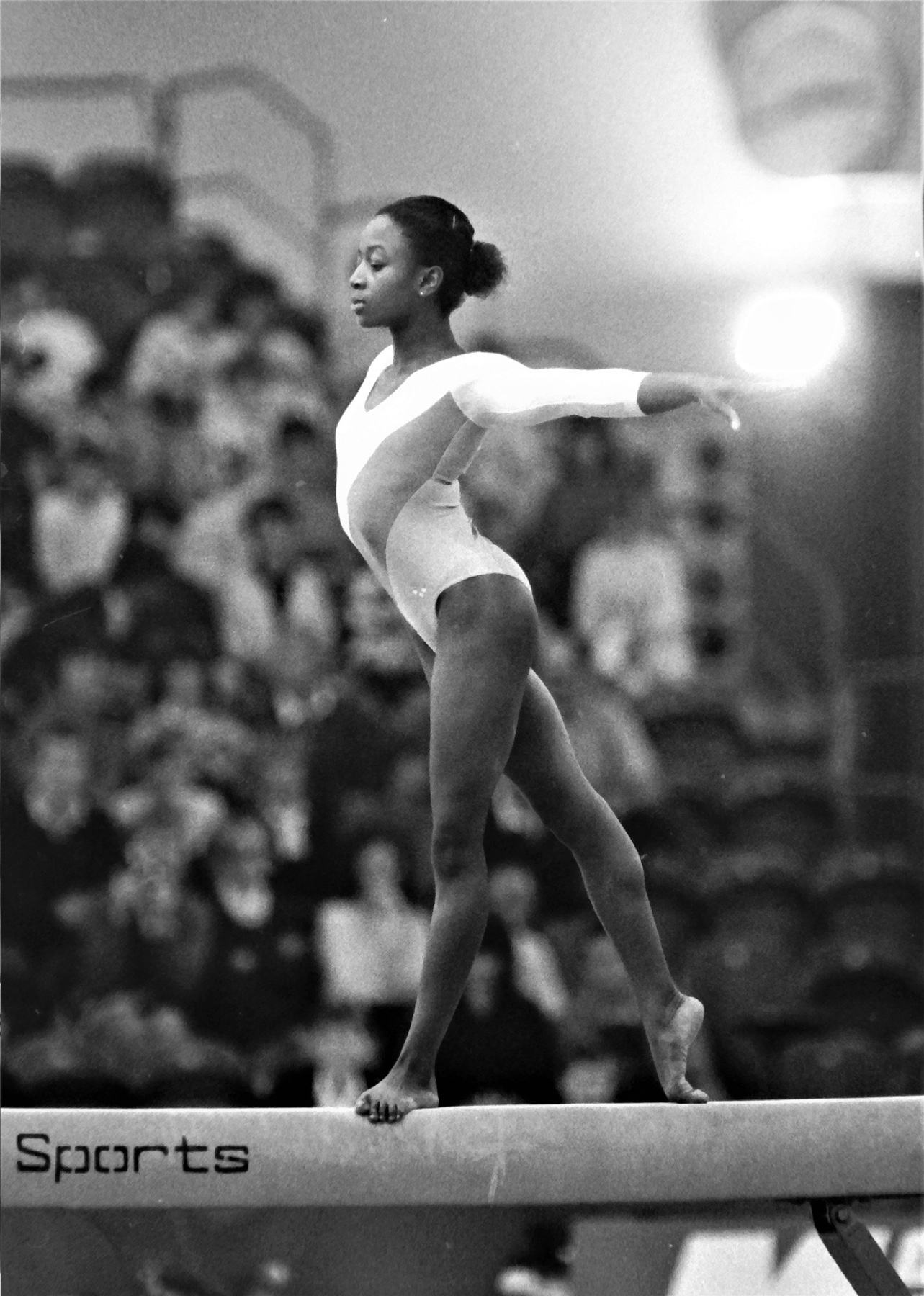 Kathy Williams competing on Beam at Alexandra Palace, London - photo by Alan Burrows